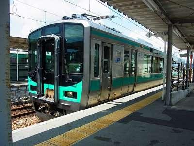 粟生駅にて