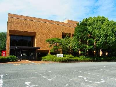 三木城址 図書館(かつての西の丸の一角)
