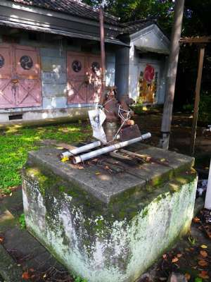 板橋双葉氷川神社 手押しポンプ